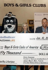 "United Healthcare and Qualcomm Donate $50,000 to Boys & Girls Clubs of America Following ""5 Million Step Challenge"" at CES 2017 in Las Vegas"