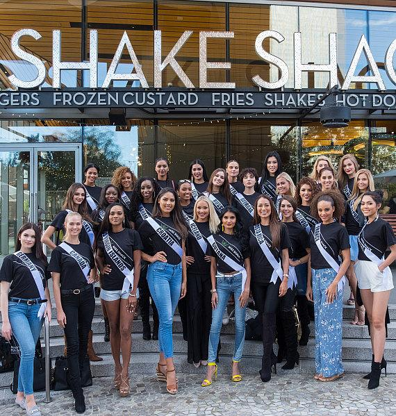 The Ladies of Miss Universe Stopped into Shake Shack at The New York-New York Hotel & Casino in Las Vegas