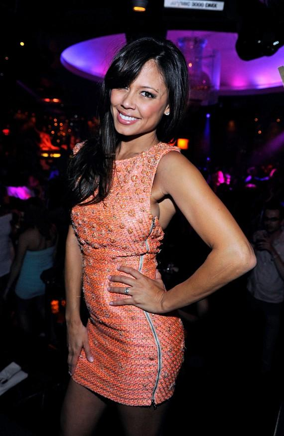 Vanessa Minnillo celebrates her bachelorette at LAVO