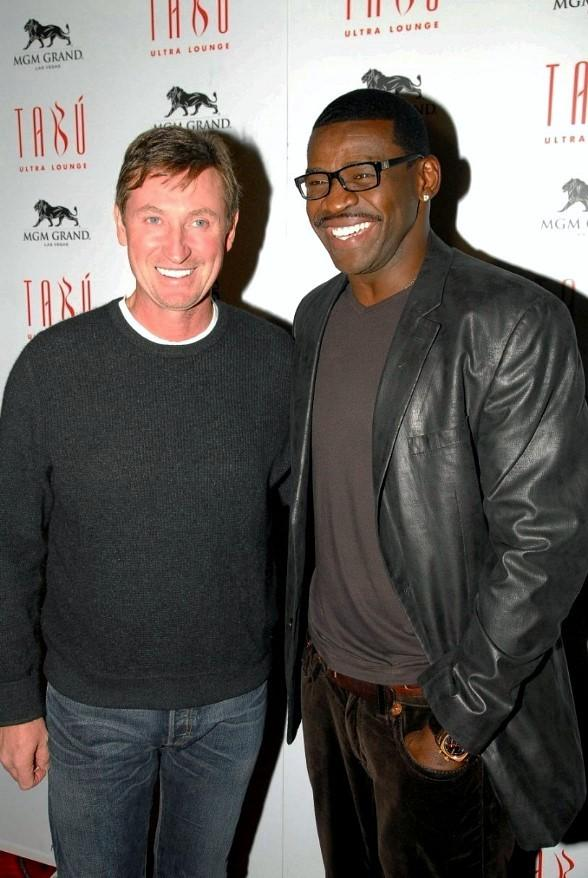 Wayne Gretzky and Michael Irvin at Tabu Ultra Lounge, Las Vegas