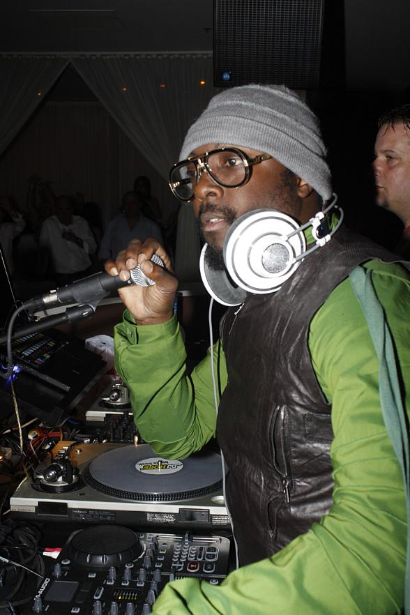 Will.i.am at PURE Nightclub Las Vegas