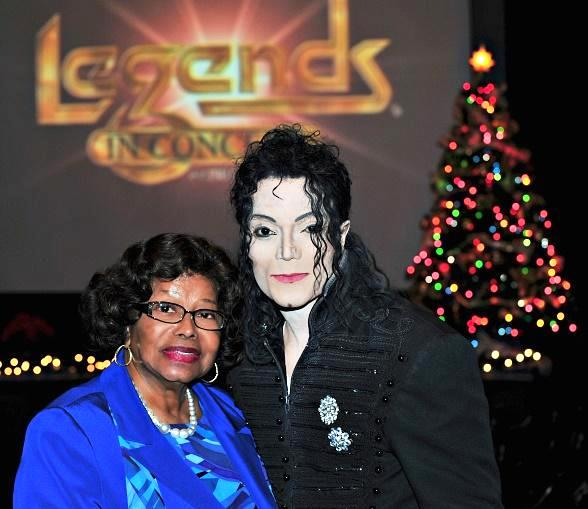 "Katherine Jackson Attends ""Legends in Concert"" Tribute Artist Show at Harrah"