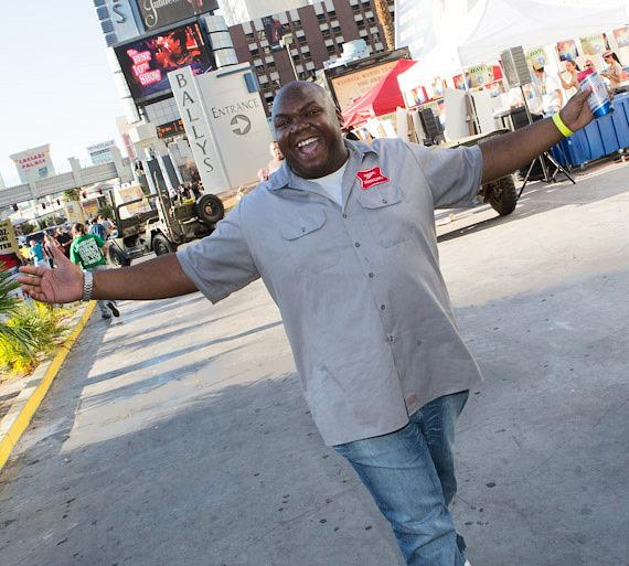 "Miller High Life's Windell Middlebrooks Visits Caesars' Resorts to ""Welcome Veterans Back to the High Life"""