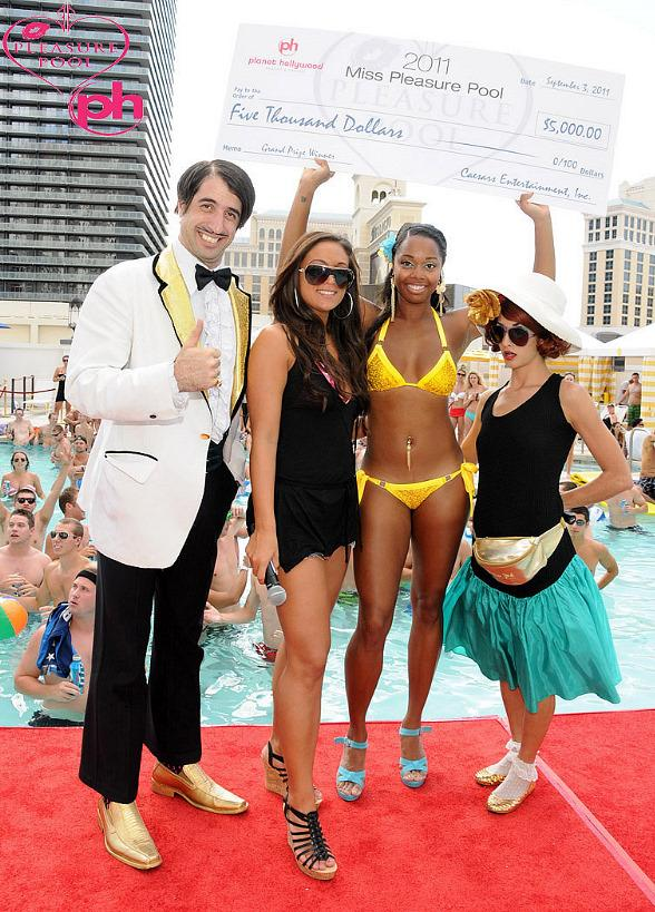 "Sammi ""Sweetheart"" and Absinthe Stars Judge Pleasure Pool Bikini Contest Finale"