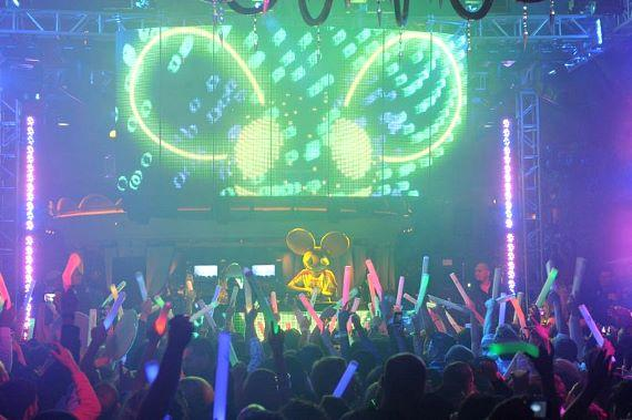 Deadmau5 performs at XS Nightclub