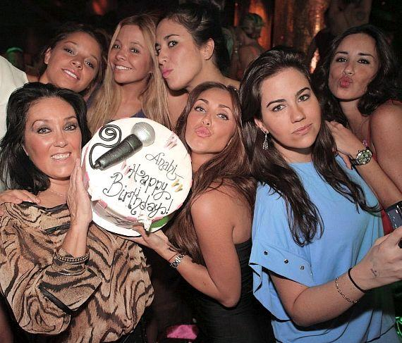 Anahi and friends at XS Nightclub