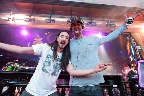 Steve Aoki and Michael Phelps at XS