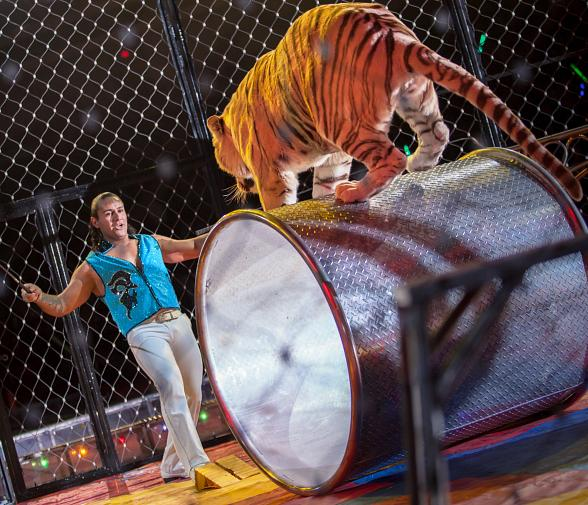 Zelzah Shrine Circus - Giancarlo & Tiger