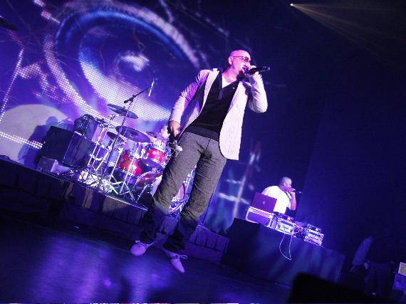 Pitbull performs at ND's The Club in Las Vegas