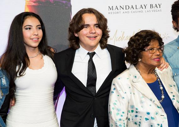 A female guest with Prince and Katherine Jackson