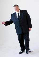 Don't Miss 'Mike & Molly' Star Billy Gardell at Treasure Island June 10