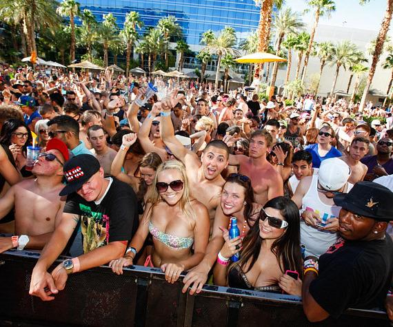 Crowd at Paradise Beach at Hard Rock Hotel & Casino