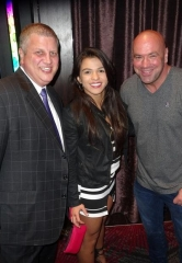 """The Bachelor"" Andrew Firestone, Boxing Legend ""Sugar"" Shane Mosley, Zappos CEO Tony Hsieh, UFC President Dana White and this year's ""Ultimate Fighter"" contestants at Andiamo Italian Steakhouse"