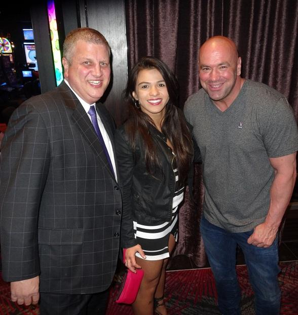"""""""The Bachelor"""" Andrew Firestone, Boxing Legend """"Sugar"""" Shane Mosley, Zappos CEO Tony Hsieh, UFC President Dana White and this year's """"Ultimate Fighter"""" contestants at Andiamo Italian Steakhouse"""