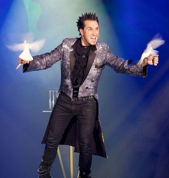 "David DaVinci Guest Stars in ""Murray The Magician"" Show at Planet Hollywood Las Vegas This Week"