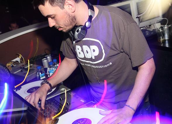 DJ AM takes the wheels of steel by storm at PURE Nightclub
