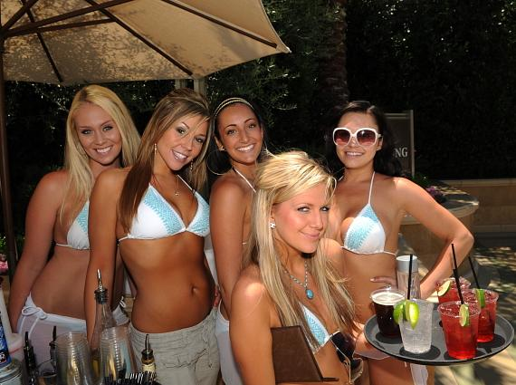 Poolside Servers at AZURE