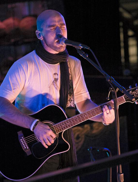 Ed Kowalczyk performs an acoustic set at The Mix 94.1 Christmas Concert at The Sportsbook Bar & Grill
