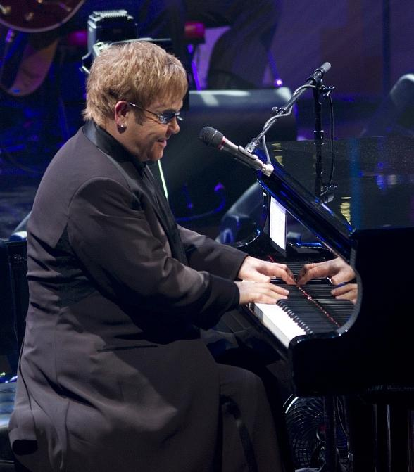 "Elton John ""The Million Dollar Piano"" Announces March snd April 2014 Engagement at The Colosseum at Caesars Palace"