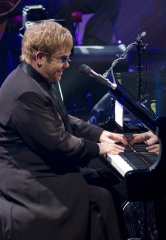 "Elton John to Celebrate 100th Performance of ""The Million Dollar Piano"" at The Colosseum at Caesars Palace"