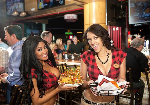 Twin Peaks Girls with food