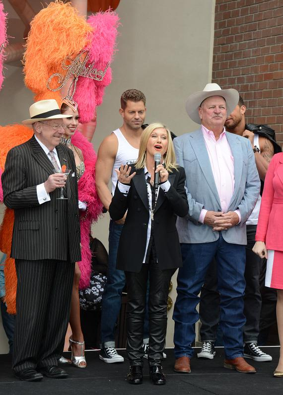 Former Mayor Oscar Goodman with Olivia Newton-John and Clark County Commissioner Tom Collins at The Flamingo Las Vegas