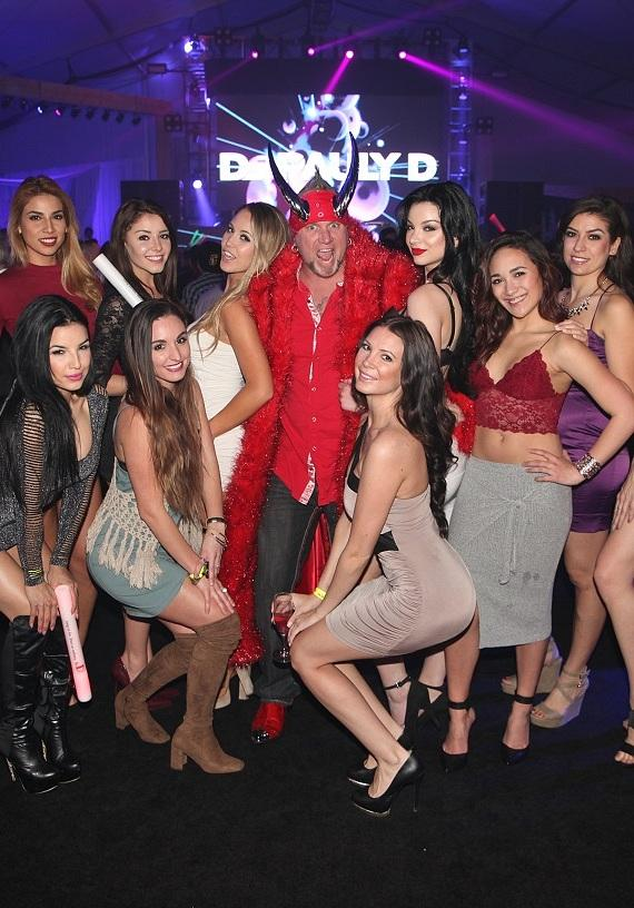"""Horny Mike of """"Counting Cars"""" parties with Las Vegas models at DLVEC"""