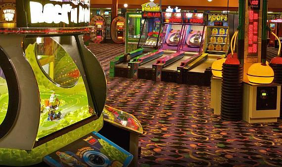 John's Incredible Fun World is jam-packed with over 100 games, rides and attractions