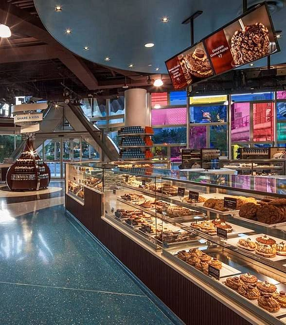 Hershey's Chocolate World Las Vegas Celebrates Halloween with In-Store Trick-or-Treating