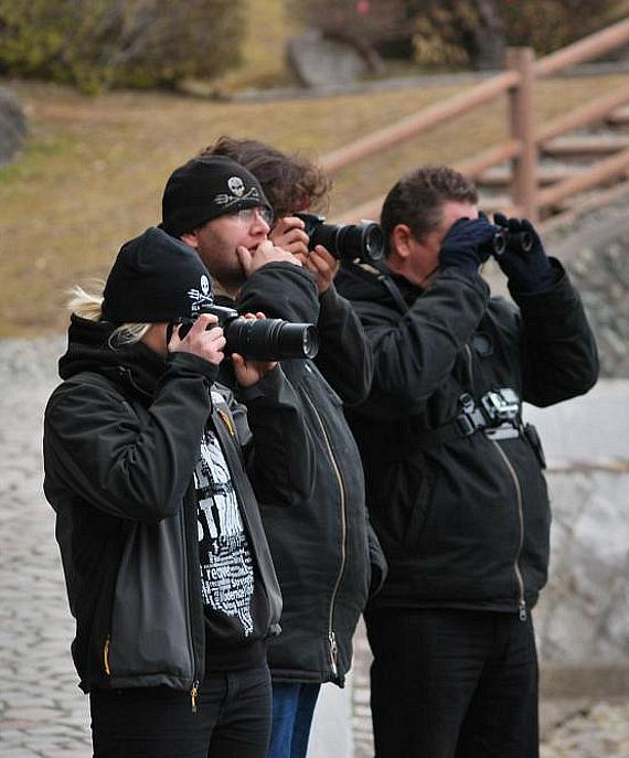 Cove guardians documenting the capture process