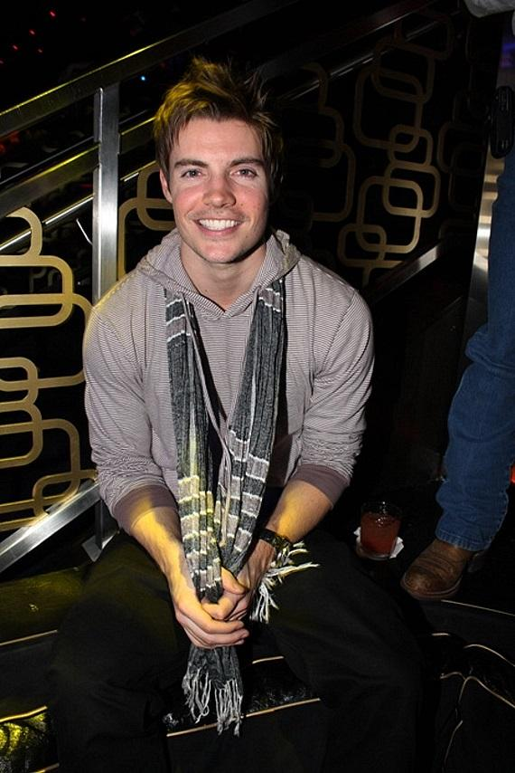 Josh Henderson at The Bank Nightclub at Bellagio (Photo courtesy of The Light Group)