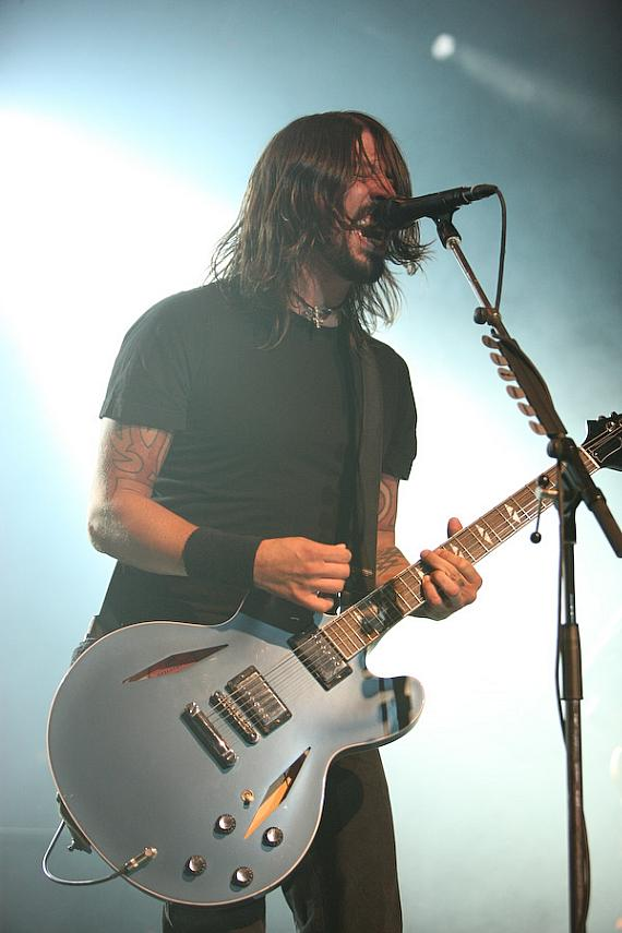 Foo Fighter rock The Joint at Hard Rock Hotel