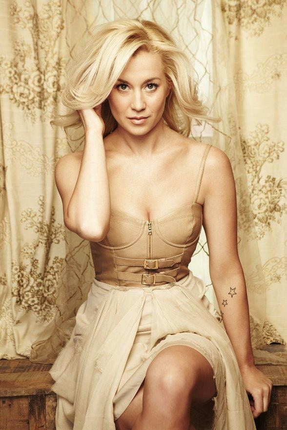 Kellie Pickler to Perform at Veil Pavilion at Silverton Casino Hotel