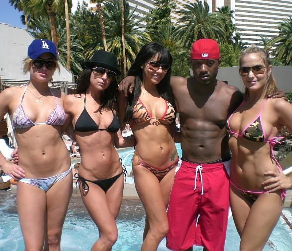 Kelly Monaco, Ray J and friends at Bare