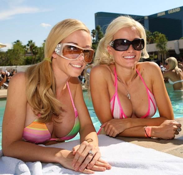 Kendra and Holly in pool at WET REPUBLIC