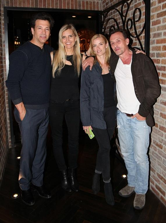 Marklen Kennedy, his wife Carey, Knepper's wife Nadine and Robert Knepper dine at Andiamo Las Vegas