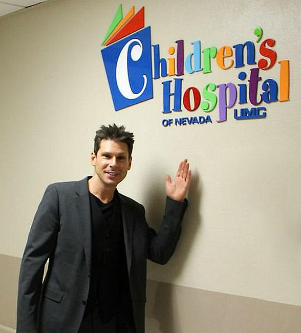 Magician Mike Hammer Visits UMC Children's Hospital in Las Vegas