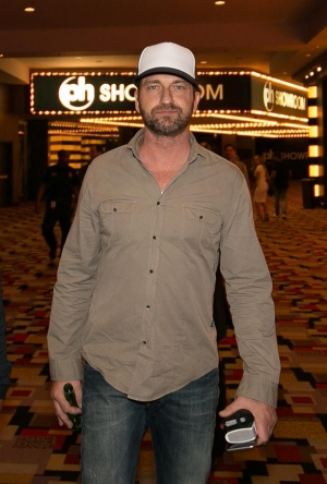 """Actor Gerard Butler celebrates Opening Weekend of his film """"London Has Fallen"""" at Planet Hollywood"""