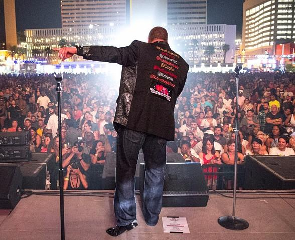 "Famous Faces Show up at ""I Love The '90s"" Concert at DLVEC in Downtown Las Vegas"