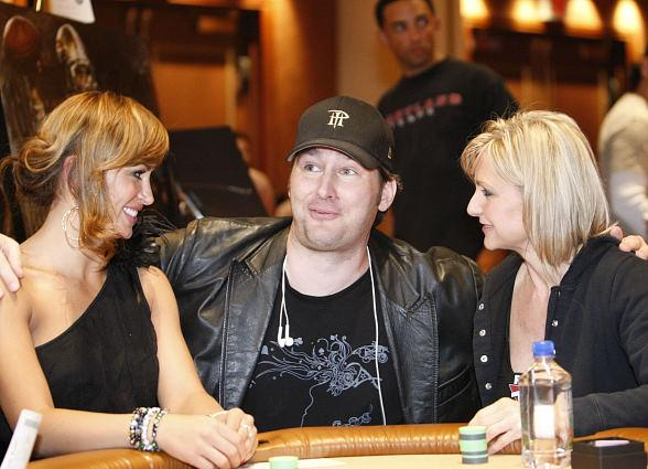 Karina Smirnoff, Phil Hellmuth and Jennifer Harman at the poker table at The Venetian