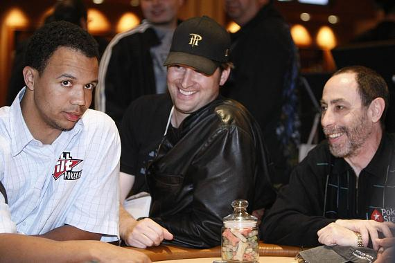 Phil Ivey, Phil Hellmuth and Barry Greenstein playing for the dogs at The Venetian