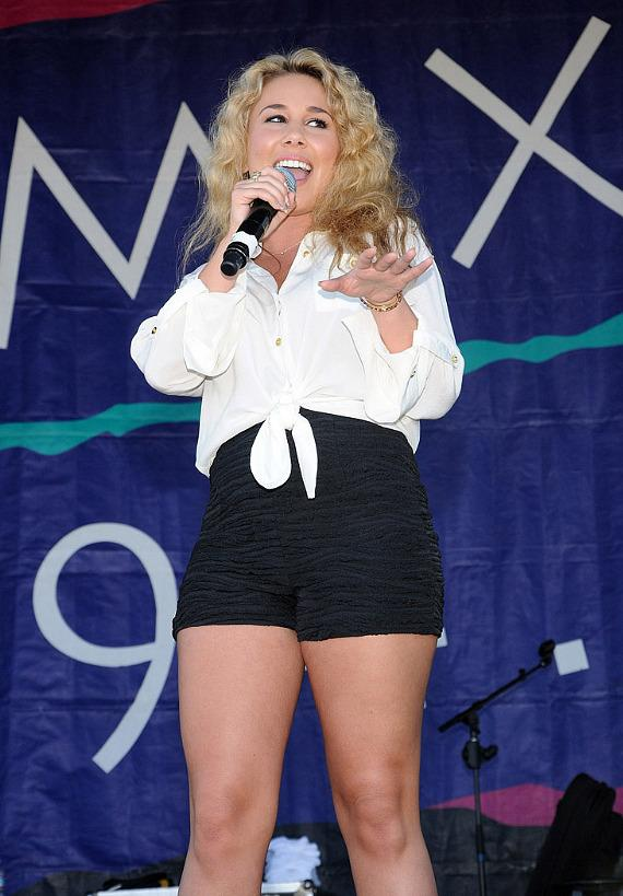 Haley Reinhart performs at MIX 94.1's 13th Annual Pet-A-Palooza