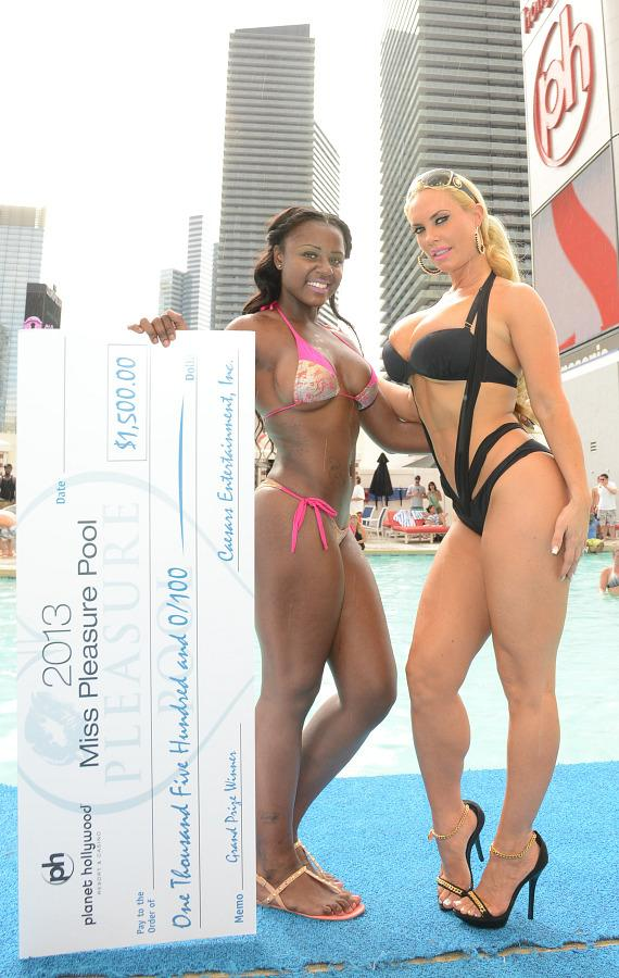 Coco with first place winner Kameesha Haley from Las Vegas