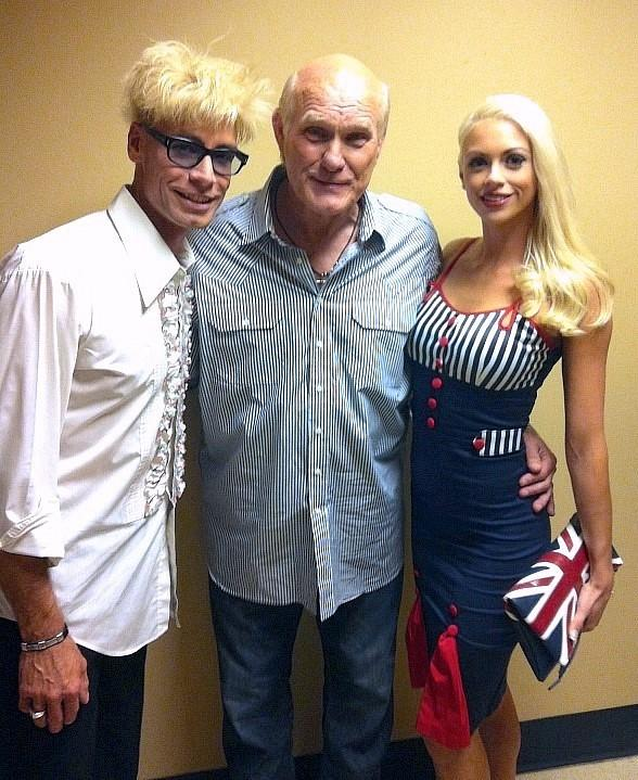 Murray and Chloe Visit Hall of Fame NFL Quarterback Terry Bradshaw After His New Show at The Mirage