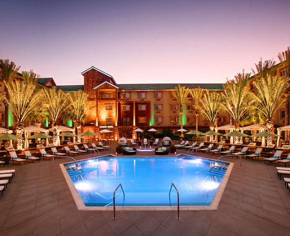 Silverton Casino Hotel Launches Sway Pool Lounge for 2013 Season