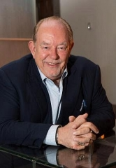"""Mike Hammer and Brian Shapiro of """"The Vegas Take"""" on CBS Radio welcome Columnist Robin Leach, Comedian/Author Andy Martello and Sports Handicapper Tom Barton on Saturday, January 7"""