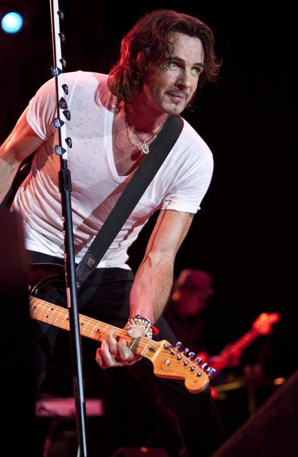 Tonight! Rick Springfield to Perform Free Concert at Fremont Street Experience (Saturday, August 12 at 9pm)