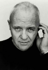 Sir Anthony Hopkins Unveils Permanent Art Exhibition at Jeff Mitchum Galleries in Las Vegas