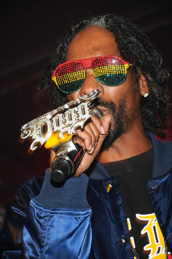 Legendary Rapper Snoop Dogg Performs at Hard Rock Cafe on the Las Vegas Strip