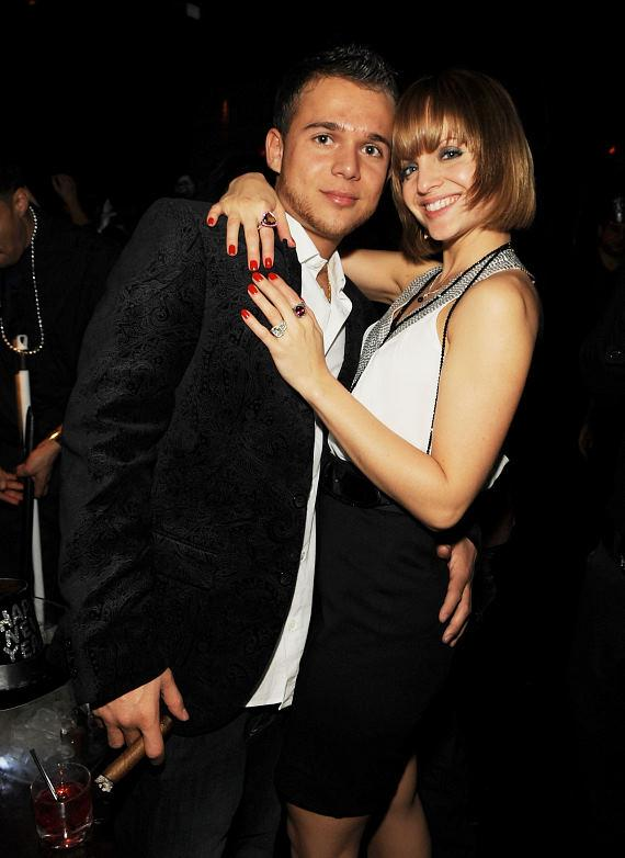 Mena Suvari and fiancé Simone Sestito rang in the New Year at Lavo (Photo credit: Denise Truscello)